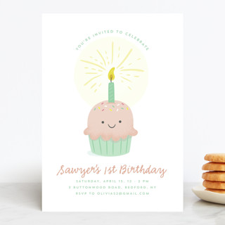 Cupcake cutie Children's Birthday Party Invitations