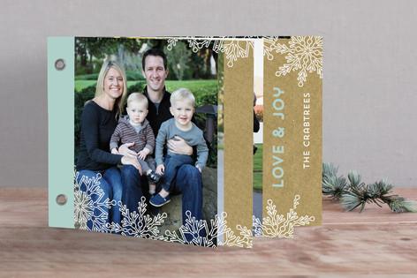 Snowlace + Kraft Holiday Minibook™ Cards