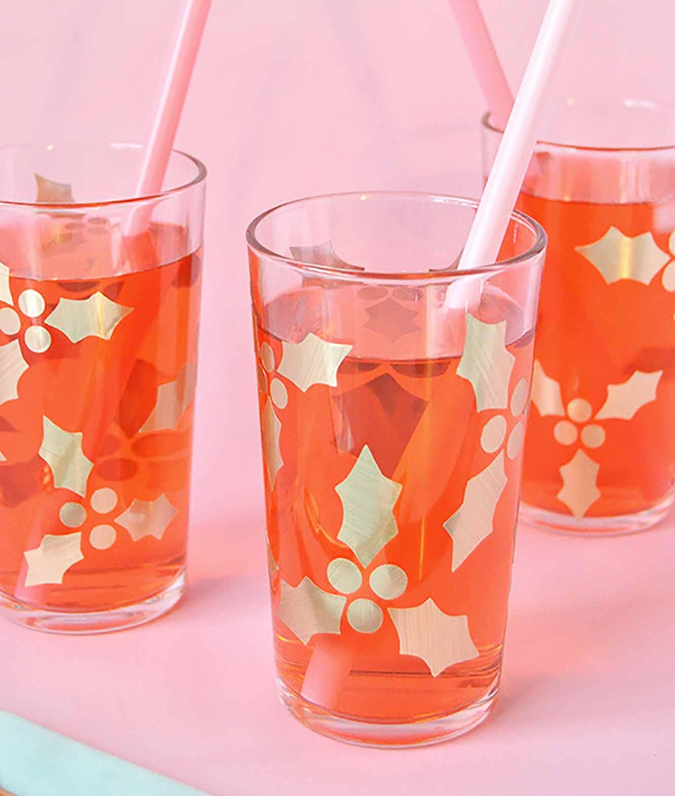 Golden Holly Drinking Glasses