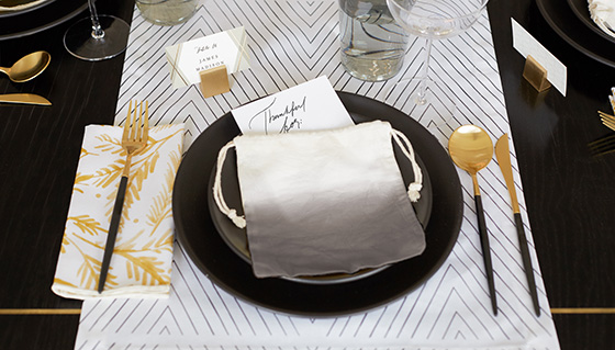 Holiday Dining Looks - Place Settings left image