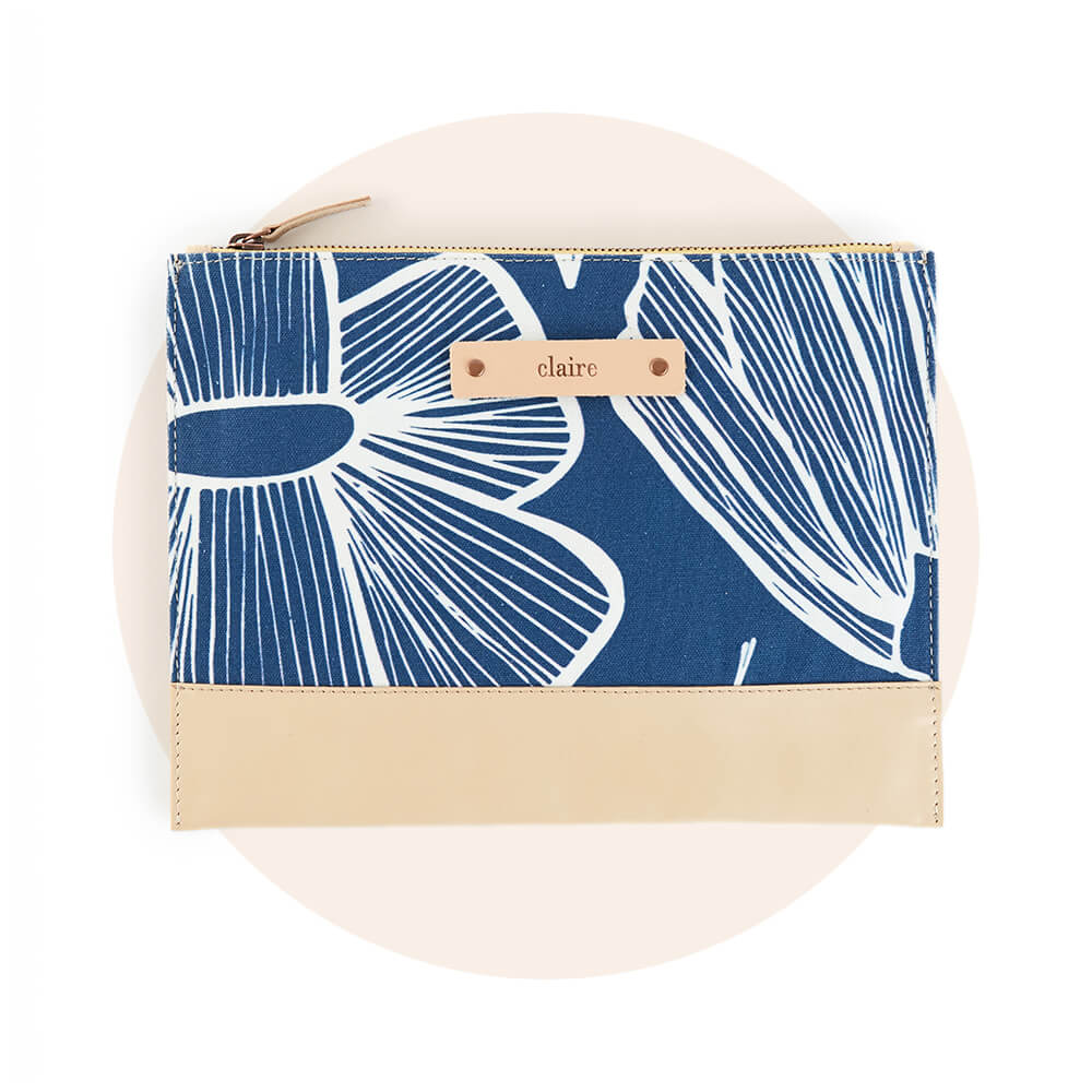 Personalizable Casual Clutches