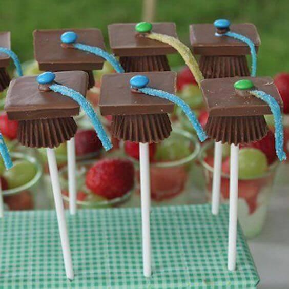 Grad Cap Chocolate Pops
