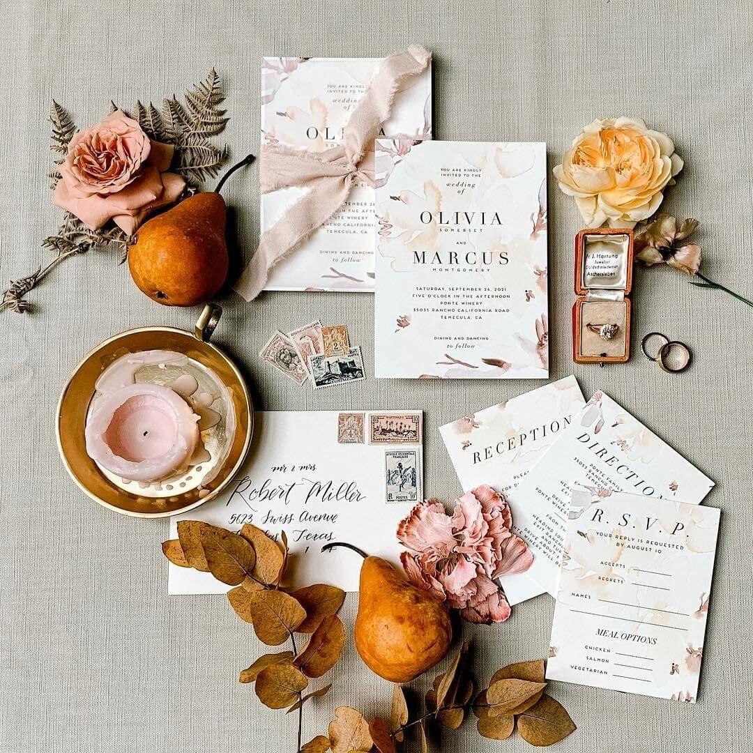 Fall wedding suite tablescape