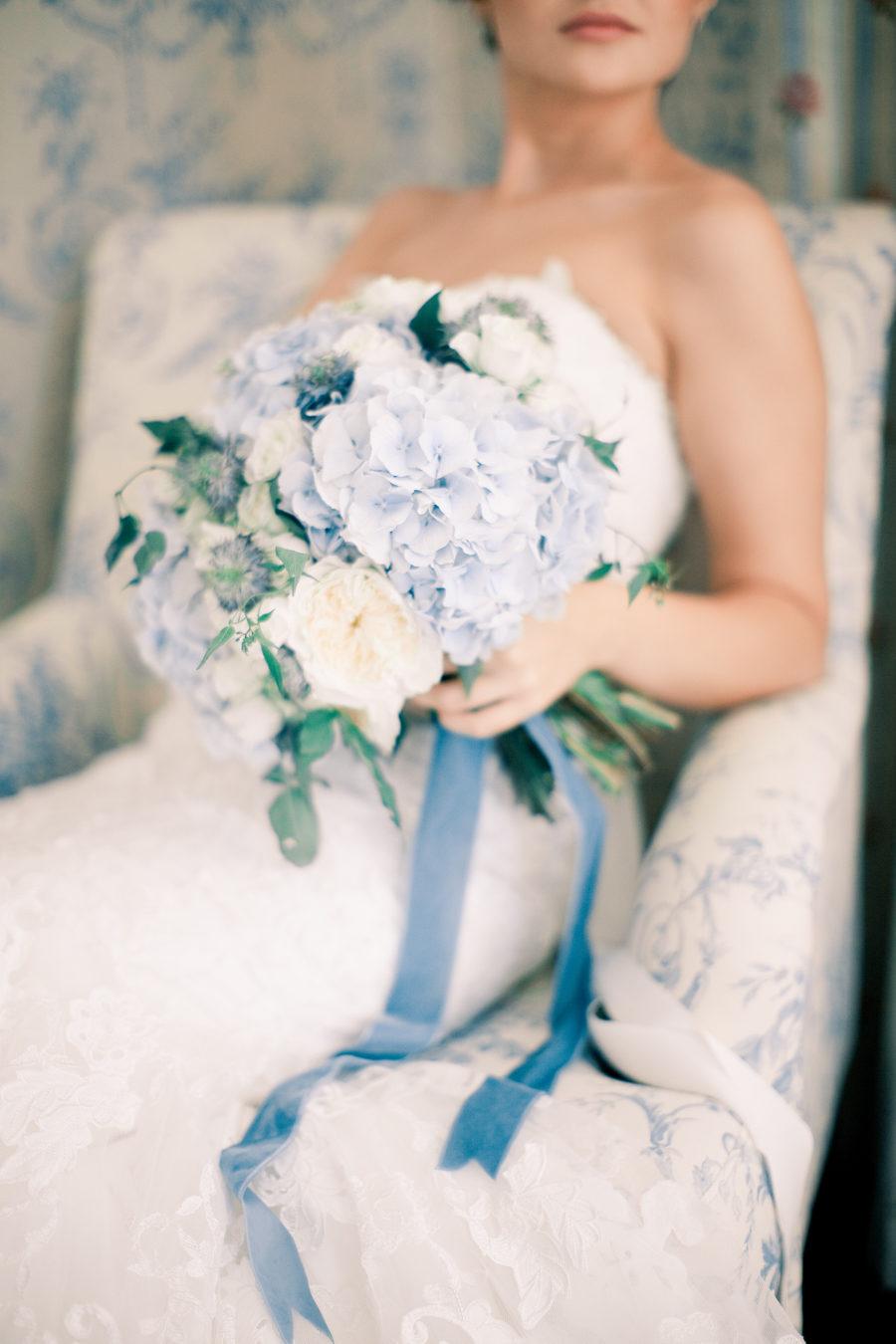 bride holding bouquet of hydrangea