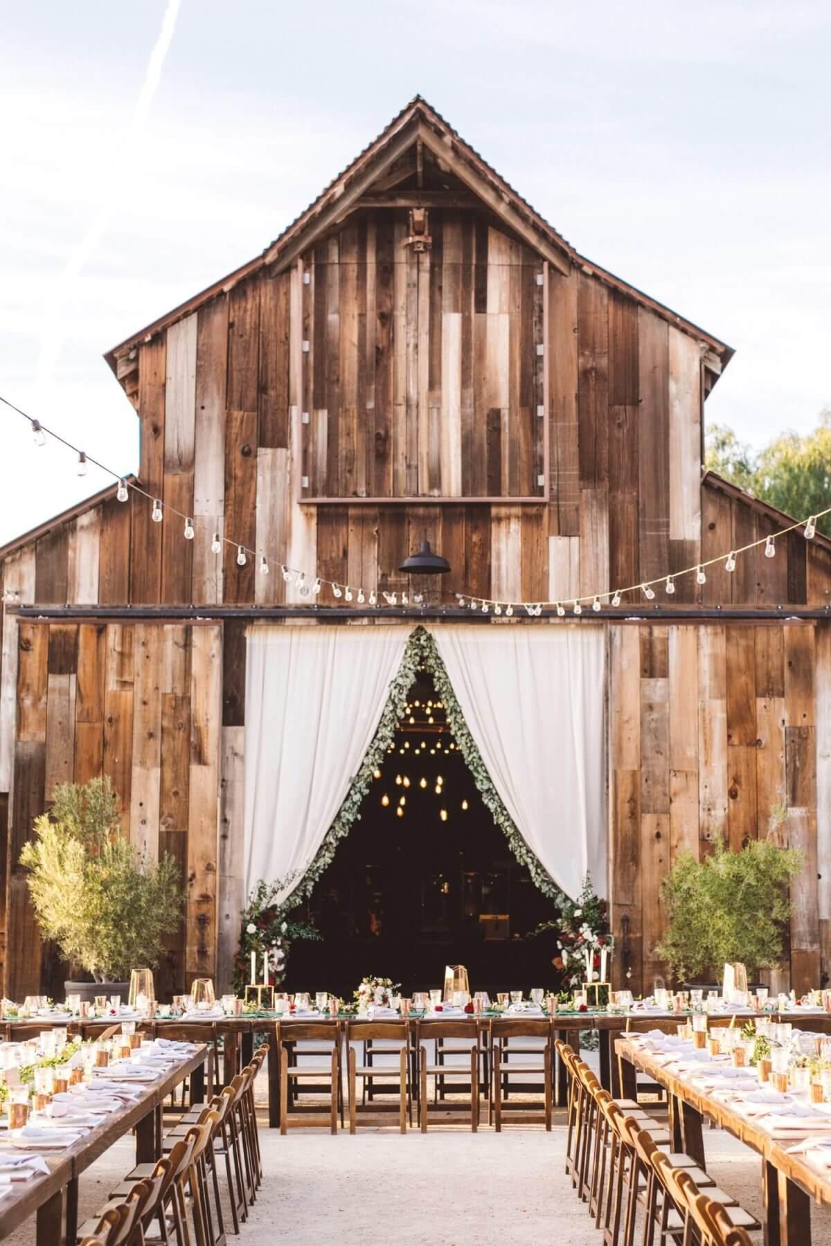 Fall wedding barn