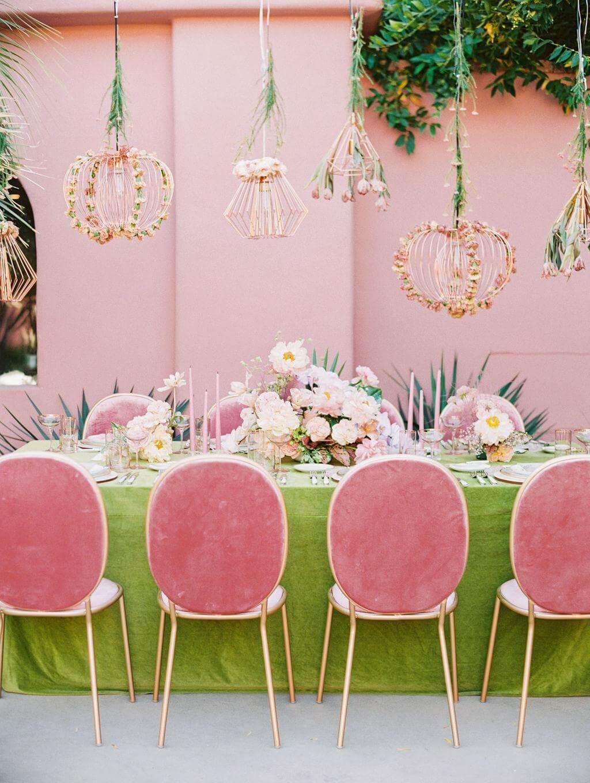 Summer wedding dinner table