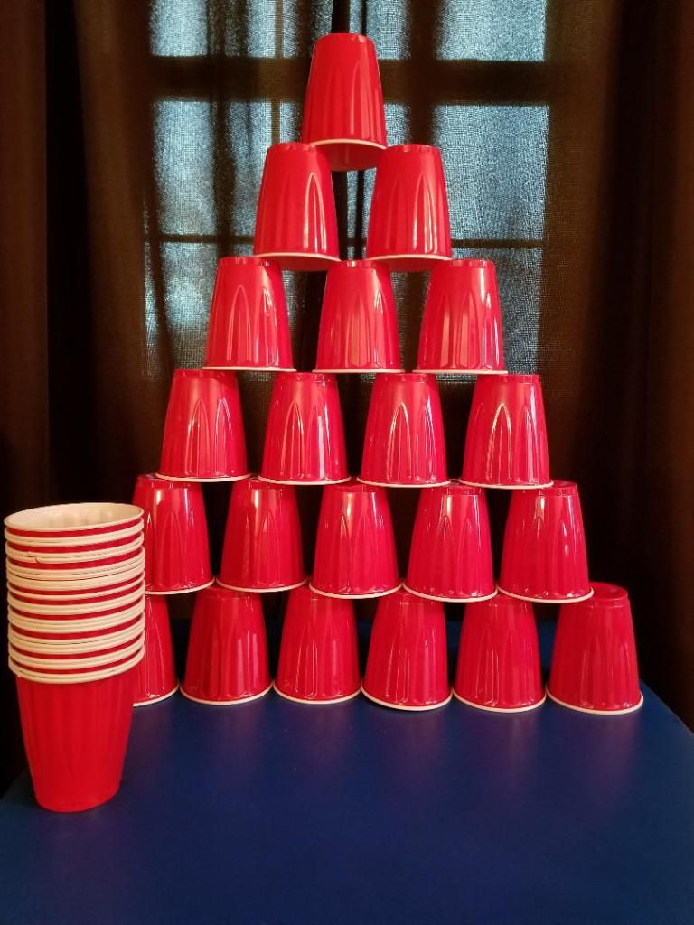 Stack cups