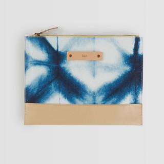 This is a blue hand clutch bag by Agnes Pierscieniak called Indigo Diamond in standard.