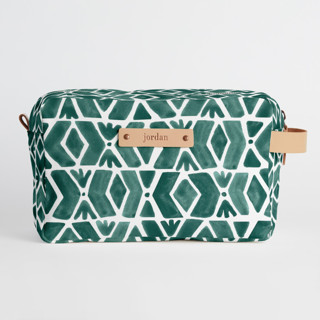 This is a green dopp kit by Luz Alliati called Outdoors.