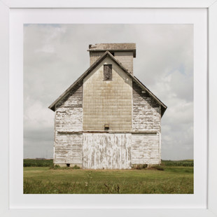 weathered barn Art Print