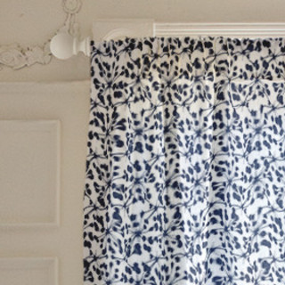 Woodberry reverse Self-Launch Curtains