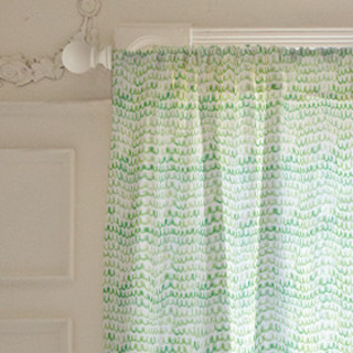 Watercolor Scallop Self-Launch Curtains