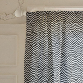 Triangle Waves Self-Launch Curtains