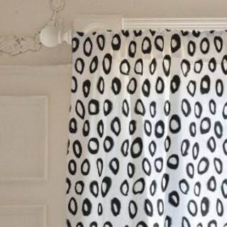 Painted Circles Self-Launch Curtains