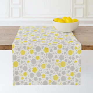 Stamped Flowers Self-Launch Table runners