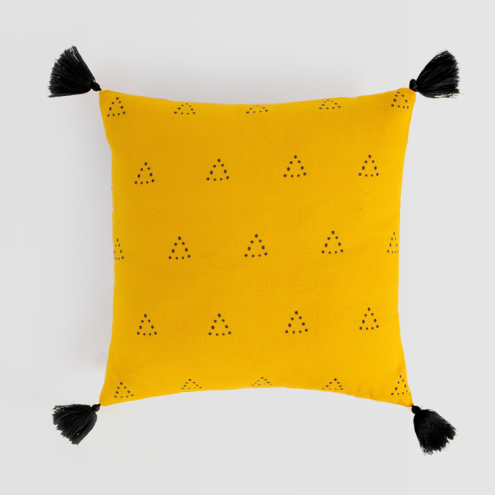 Espace Triangle Tasseled Pillow Cover