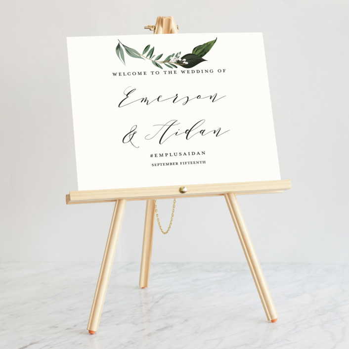 Medium Tabletop Easel Easels